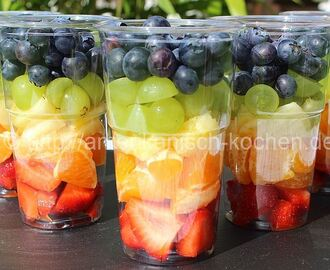 Fruit Salad to go mit Zitrus-Dressing- frischer Sommer-Snack