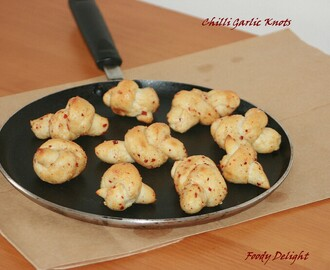 Chilli Garlic Knots