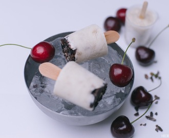 Frozen Banana Yogurt am Stiel - die gesunde Eis-Alternative