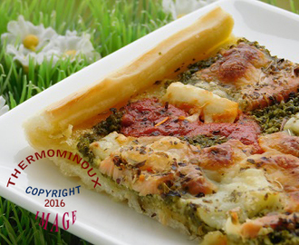 PIZZA AU PESTO D'EPINARD ET AU SAUMON (thermomix)