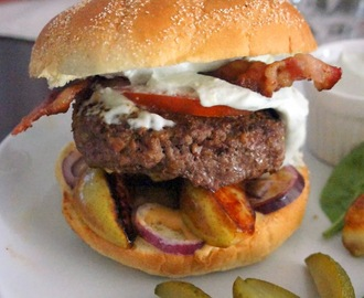Bacon burger with blue-cheese dressing