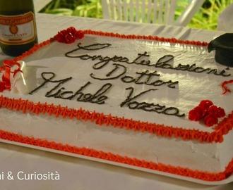 Ricette di decorazioni torta di laurea con panna mytaste for Decorazioni per torte di laurea
