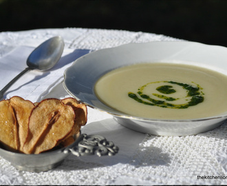 FFwD: Jerusalem Artichoke Soup with Parsley Coulis
