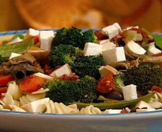 Pasta Spirals with Sauteed Vegetables, Olives and Smoked Mozzarella