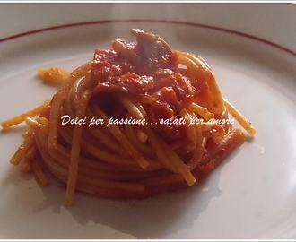 Spaghetti o bucatini all'amatriciana