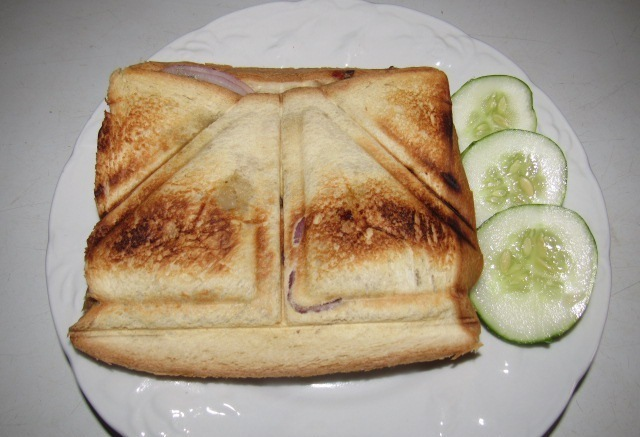 NIGERIAN SANDWICH TOAST (RECIPE)