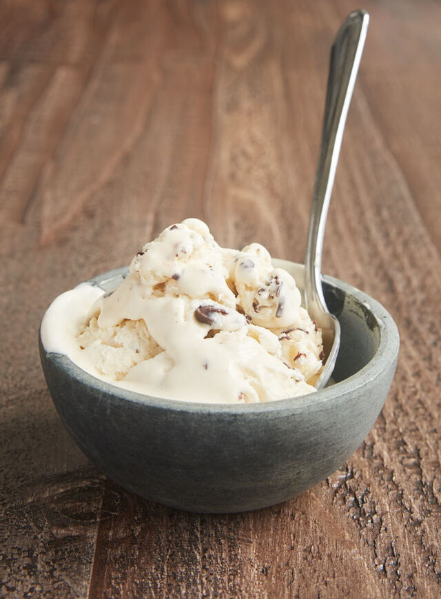 No-Churn Stracciatella Ice Cream - Bake or Break