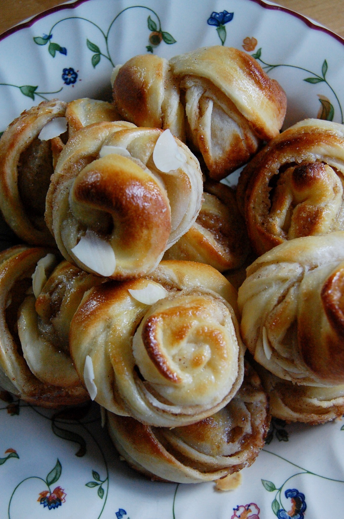 LOOKING FOR THE REAL SWEDISH CINNAMON BUNS?