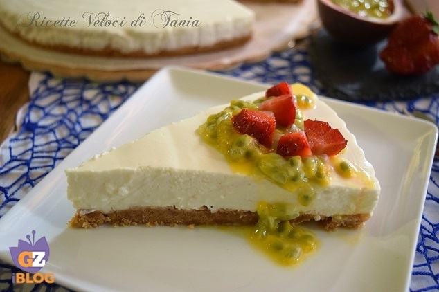 Cheesecake allo yogurt con frutta fresca