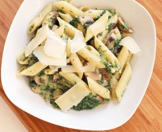 Penne mit Champignons & Spinat