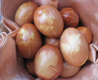 All natural Easter egg colouring