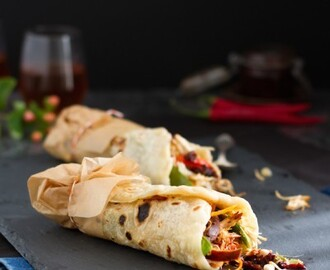 Indonesische Sambal Oelek Pulled Chicken Wraps