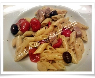 Pasta con Tonno, Pomodorini ed Olive - Pasta with tuna, cherry tomatoes and olives