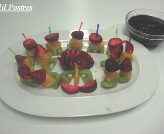 Evento HHDD nº 27.  Pinchitos de fruta con salsa de chocolate