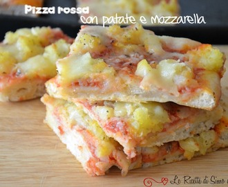 Pizza rossa con patate e mozzarella