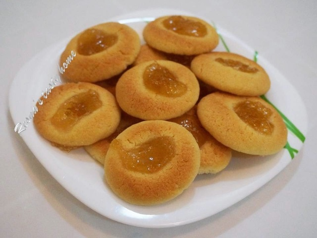 Butter cookies with pineapple jam - stepwise picture