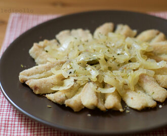 Alici fritte con cipolle all'aceto