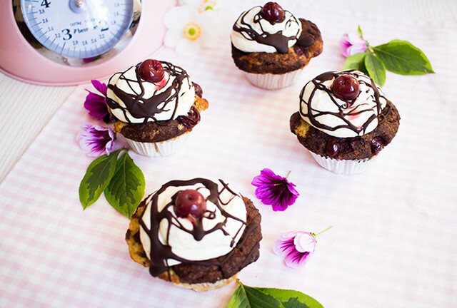 Low Carb Donauwellen Cupcakes