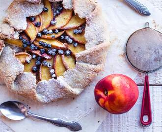 Galette With Peaches And Blueberries • Sugar Free