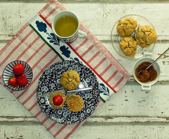 SCONES MET APPEL /  APPLE SCONES