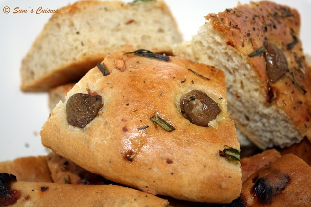 Olive, Cheese and Garlic No-knead Focaccia