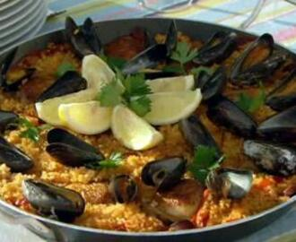 Chicken and chorizo paella