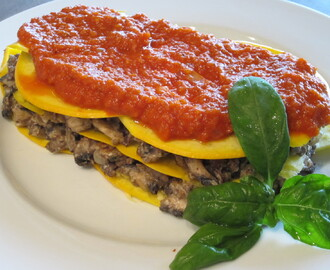 Vegan MoFo #19: Mushroom Almond Lasagna with Tomato Sauce