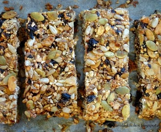 Domowe batoniki wieloziarniste bez cukru {Batoniki muesli} / Homemade Easy Granola Bars (No Added Sugar)