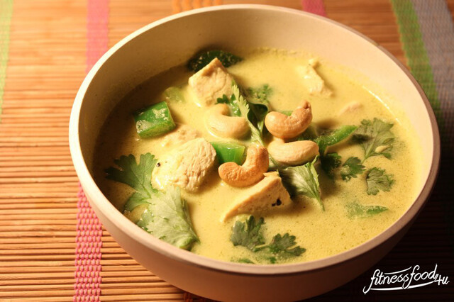 Thai Kokos Curry Suppe mit Hähnchen
