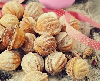 Recipe - Walnut shaped cookies filled with walnut cream