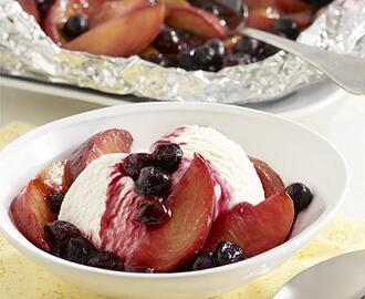 Summer Dessert: Grilled Peaches and Blueberries
