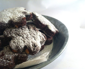 KAKAO KEKSI SA SUHIM VIŠNJAMA I BADEMIMA / COCOA COOKIES WITH DRIED CHERRIES AND ALMONDS