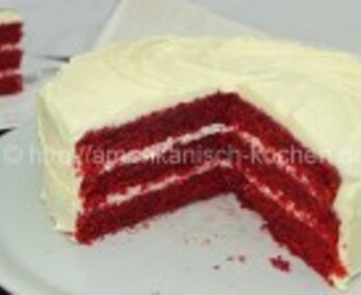 Red Velvet Cake mit Cream Cheese Frosting