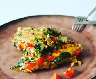 Frittata met spinazie, paprika en courgette