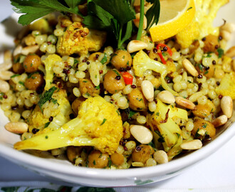 Leblebije i karfiol sa kari začinom / Roasted Curried Cauliflower and Chickpeas with grains