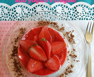 Cheesecake integrale allo yogurt greco e fragole