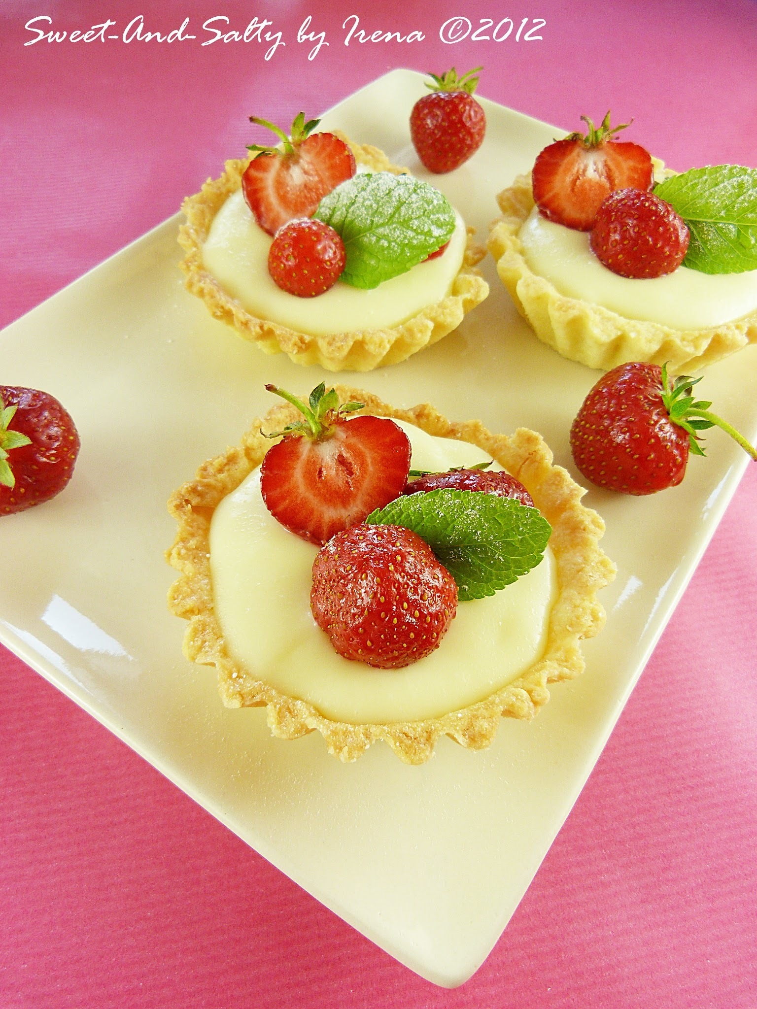 Tartići sa belom čokoladom i jagodama / White Chocolate And Strawberries Tarts