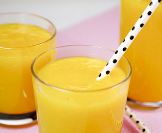 Detox Smoothie mit Orange, Mango und Ingwer