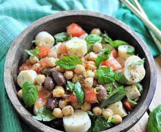 Easy Chickpea Salad with Easy Lemon Dressing