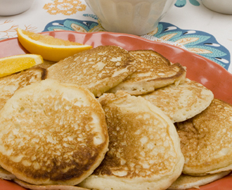 Weekend Breakfast Buttermilk Pancakes 	             all purpose flour whole wheat flour granulated sugar baking powder baking soda buttermilk vegetabIe oil eggs