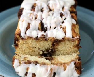 EASY CINNAMON ROLL QUICK BREAD