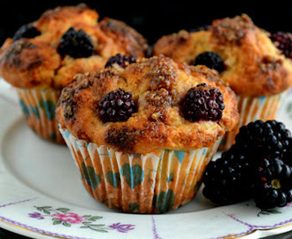 MUFFINI OD KUPINA S KREM SIROM / BLACKBERRY CREAM CHEESE MUFFINS