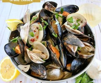 Clams & Mussels in Garlic Butter Wine Sauce | Karyl's Kulinary Krusade | Recipe | Mussels recipe, Clam recipes, Seafood recipes