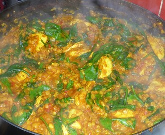 Chicken, Lentil and Spinach Curry Recipe (5-2 diet 330 Kcal)