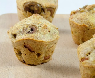 Muffin salati con olive, prosciutto e rosmarino / Olives, ham and rosemary muffin recipe