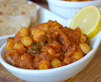 Channa Masala / Chickpeas or Garbanzo beans in a rich tomato gravy