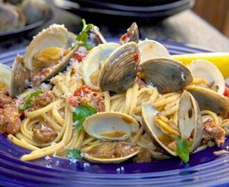 Pasta with Clams, White Wine and Spicy Italian Sausage
