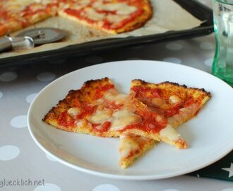 {Clean Eating} Blumenkohl-Pizza mit Käse / Cauliflower crust cheese pizza