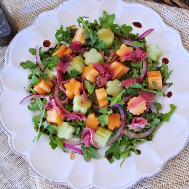 Melon and Prosciutto Arugula Salad with Strawberry Balsamic Vinegar #SundaySupper