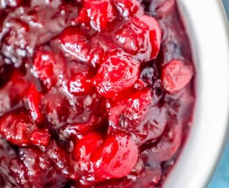 The Best Easy Homemade Cranberry Sauce Recipe
